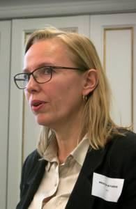 Kristin Syverud fortalte om nanocellulose som barrierematerial.